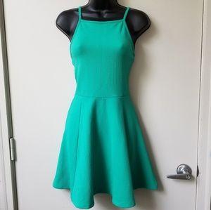 🍂H&M Chevron Ribbed Spaghetti Strap Skater Dress